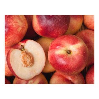 Nectarina branca australiana da carne panfletos coloridos