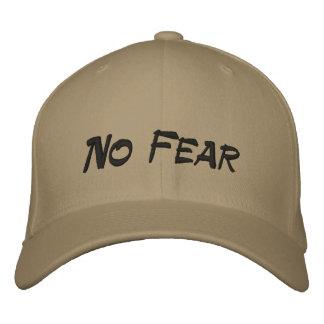 Nenhum boné de beisebol de Tan do logotipo do medo