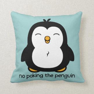 Nenhum picar o pinguim travesseiro de decoração