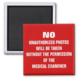 Nenhum sinal da sala da autópsia das fotos imã