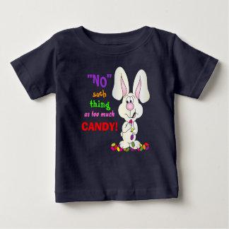 Nenhuma coisa como demasiados doces - coelhinho da camiseta para bebê