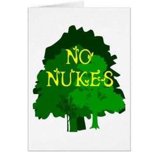 Nenhumas armas nucleares com dizer verde das árvor cartão comemorativo
