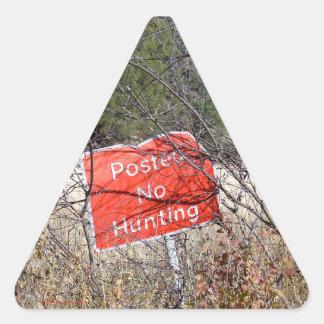 Nenhumas etiquetas do triângulo do sinal da caça