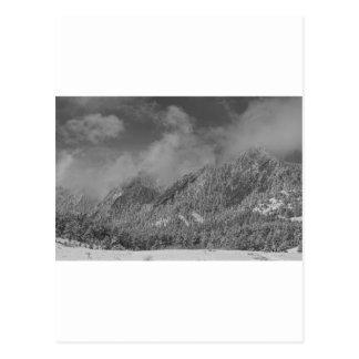 Neve de Flatiron que espana Boulder Colorado BW Cartão Postal