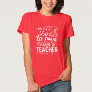 No amor com um professor camiseta