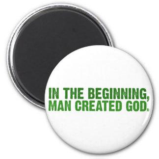No começo, o homem criou o deus imã de geladeira