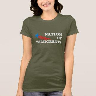 NOI_Logo_NationOfImmigrants Camiseta