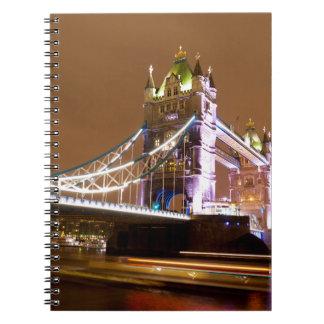 Noite da ponte da torre caderno