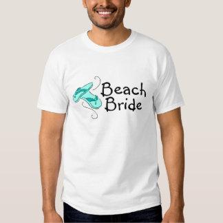 Noiva da praia (chinelos) t-shirts
