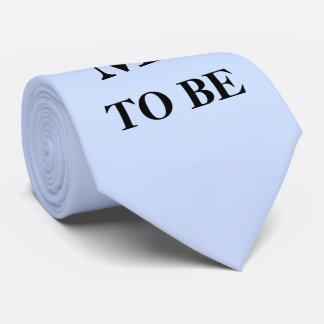 Noivo a ser laço gravata