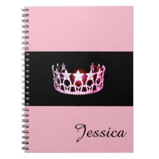 Nome cor-de-rosa do costume do caderno da coroa da