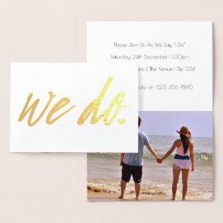 Nós fazemos a tipografia do casamento com detalhe cartão metalizado