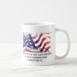 Nossa caneca do dia de veteranos da bandeira