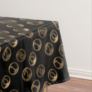 Números dourados da tipografia do feliz ano novo toalha de mesa