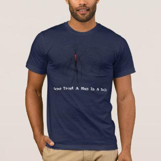 Nunca confie um homem em um TShirt de Slenderman Camiseta