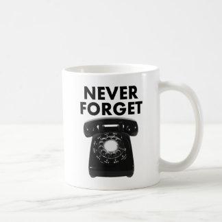 Nunca esqueça a caneca engraçada do telefone
