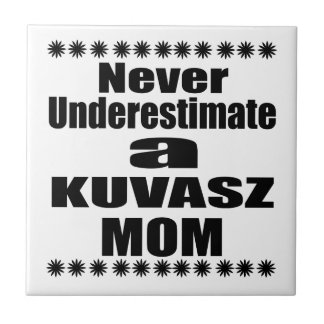 Nunca subestime a mamã de KUVASZ