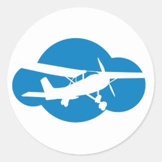 Nuvem & plano azuis da aviação adesivos redondos