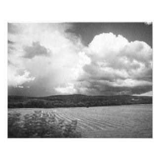 Nuvens e campos Vermont preto e branco Impressão De Foto