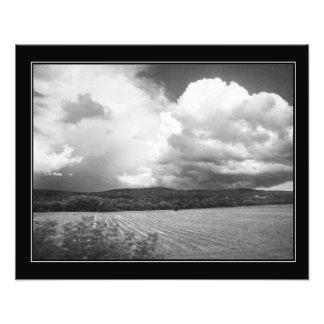 Nuvens e preto e branco de Vermont dos campos Impressão De Foto