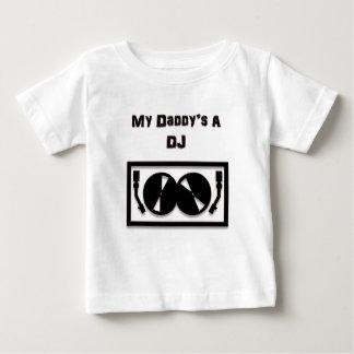 O A DJ do meu pai T-shirts