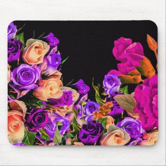 O abstrato bonito floresce o fundo preto mouse pad