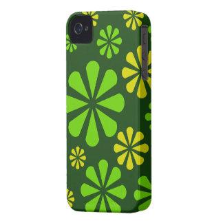 O abstrato floresce a caixa corajosa de Blackberry Capa Para iPhone