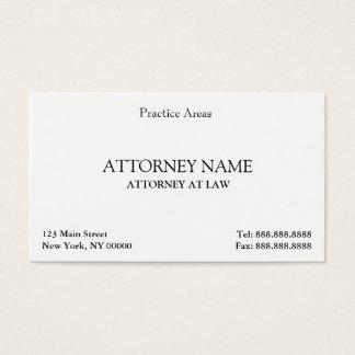 O advogado elegante limpa cartão de visitas