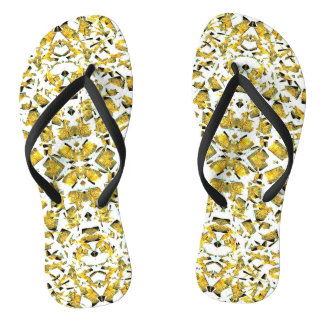 O amarelo dá forma a chinelos