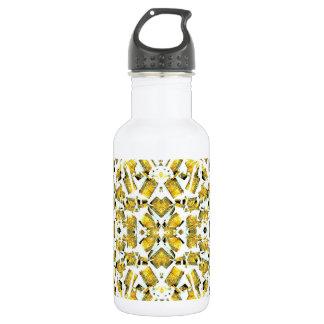 O amarelo dá forma à garrafa de água