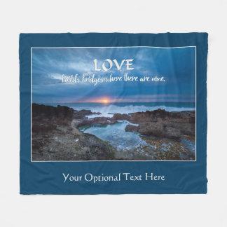 O amor constrói a cobertura feita sob encomenda do cobertor de velo