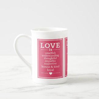 O amor é… caneca