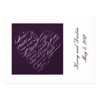 O amor é cartão Paciente-Roxo do coração RSVP Cartoes Postais