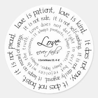 O amor é etiqueta redonda preto e branco paciente