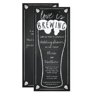 O amor está fabricando cerveja o convite do chá de