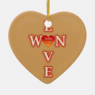 O amor ganhou o ornamento do coração