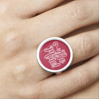 O anel do dia dos namorados seja coração do