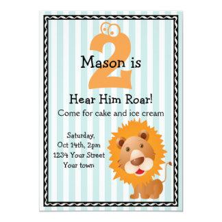O aniversário bonito do menino do leão convite 12.7 x 17.78cm