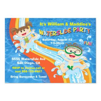 O aniversário da festa na piscina do Waterslide do Convite 12.7 X 17.78cm