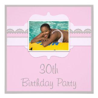 O aniversário de 30 anos cor-de-rosa & cinzento convite quadrado 13.35 x 13.35cm