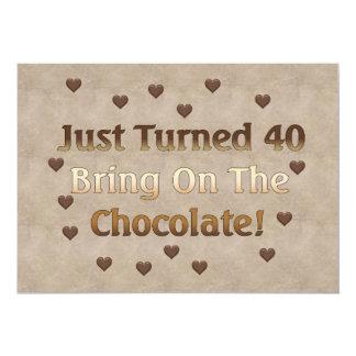 O aniversário de 40 anos significa o chocolate convite 12.7 x 17.78cm