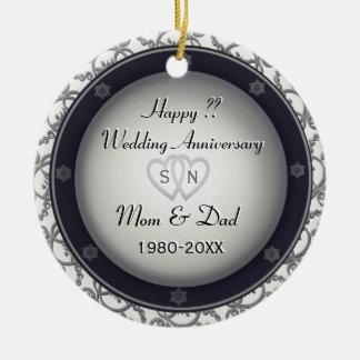 O aniversário de casamento | personaliza ornamento de cerâmica redondo