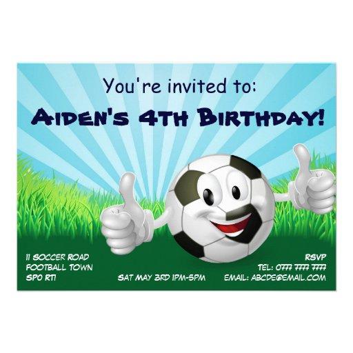 O aniversário de criança do partido do futebol do  convites personalizados