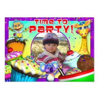 """O aniversário do cupcake convida com """"o convite 11.30 x 15.87cm"""