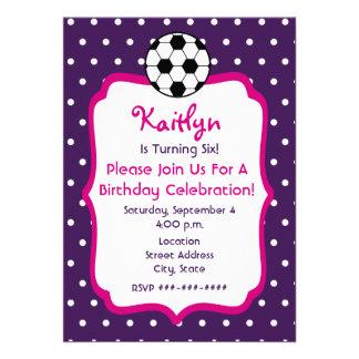 O aniversário do futebol das meninas convida o rox convites personalizados