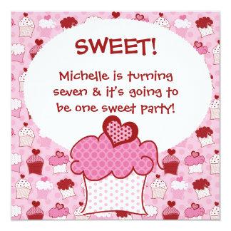O aniversário doce personalizado do cupcake convites personalizado