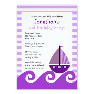 O aniversário roxo do veleiro bonito convida 5x7 convite