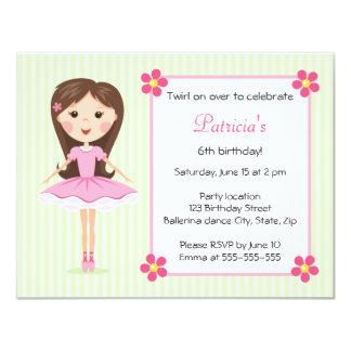 O aniversário verde feminino bonito da bailarina convites personalizados
