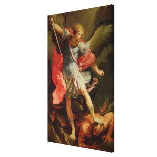 O arcanjo Michael que derrota a satã Impressão De Canvas Esticada