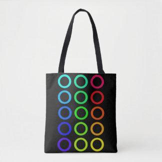 O arco-íris colore as bolsas do concerto da praia